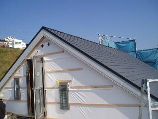 屋上妻壁シート貼り1011UP2B