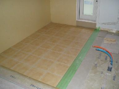 2階キッチン床タイル貼り1106.1B