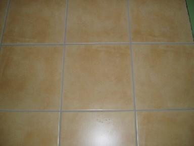 2階キッチン床タイル1106.1C