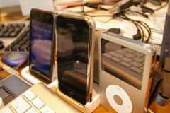 iPodtouch、iPhone厚み比較
