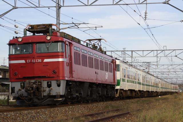 配9548レEF81-136+717系8車