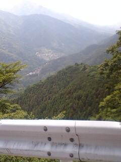 20070606厳道峠より道志を望む