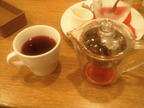 野いちご茶は…香りを楽しむもんだぁよ。_l ̄l○
