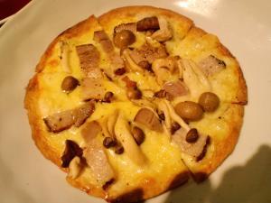 キノコのピッツァ