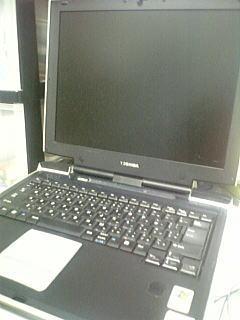 壊れたノートパソコン
