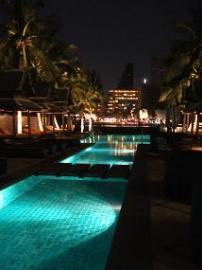 ホテル ペニンシュラ バンコク プール2
