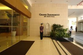 グランド ソフィテル スクンビット ホテル バンコク 入り口1