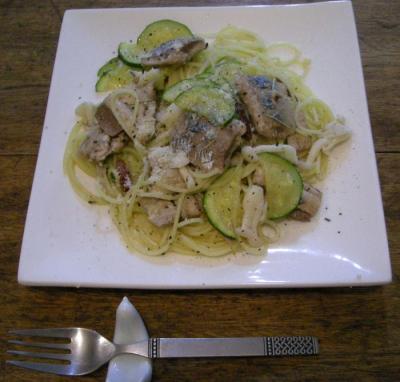 旬の秋刀魚とズッキーニのさっぱりパスタ!味付けは塩味です!2007.9.22