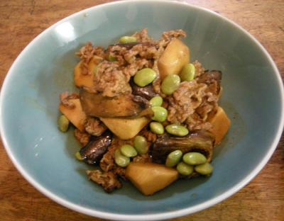 牛肉とサトイモと茄子の煮付け!茶豆で彩りを!2007.10.7