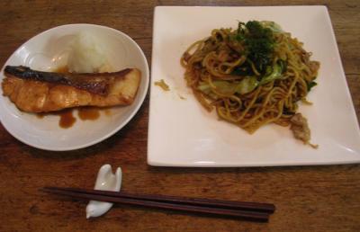 シャケの照り焼きと極太麺の焼きそば!2007.9.15