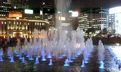 市庁前の噴水