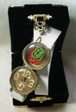 イチゴの腕時計