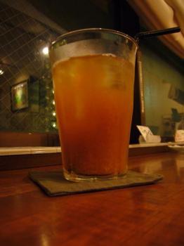 070525_CIMOLO-tea.jpg