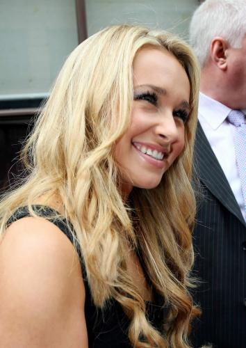 0904_Hayden_Panettiere_london_02.jpg