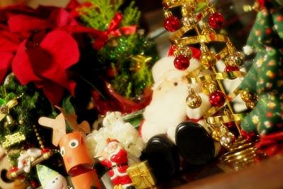 テレビボードの上だけクリスマス