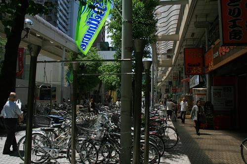 自転車店 平塚 自転車店 : 自転車の数がすごい…。