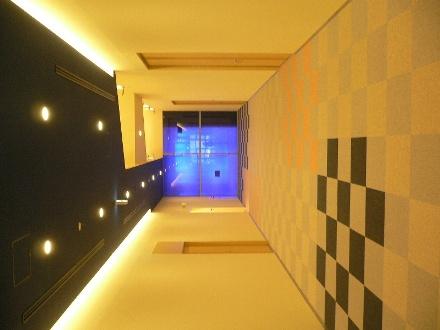 サイバー大学校舎1F廊下