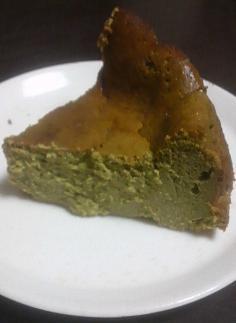 抹茶味ベイクドチーズケーキ