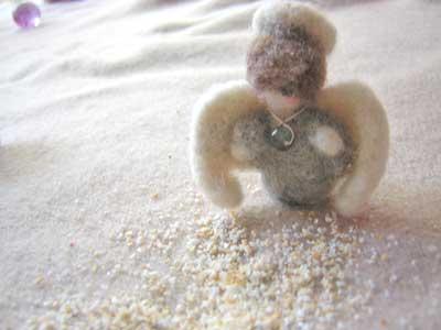 砂をこぼしただス