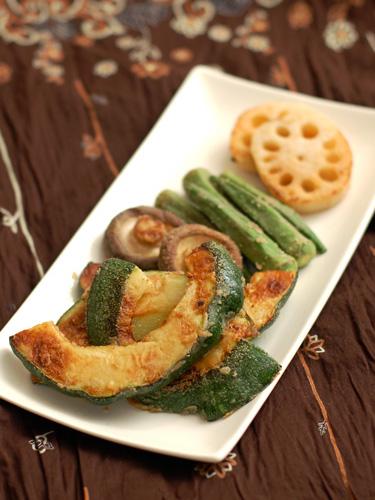 野菜の蕎麦粉焼き