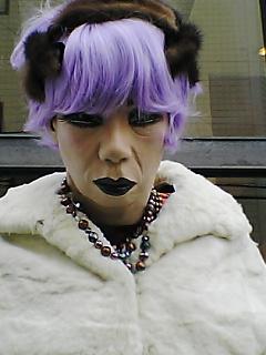 おばちゃん紫髪その2