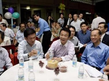 外交タロー:20061207ヨー外相とイベントに出席