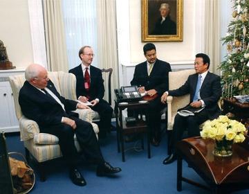 外交タロー:20051202チェイニー米副大統領と会談