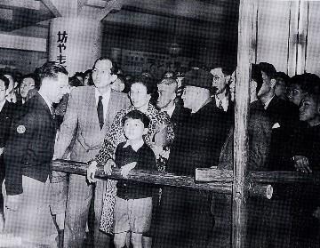 1949年「上野動物園にて」