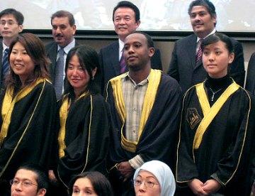 演説タロー:20070224アラビア学校卒業式で祝辞