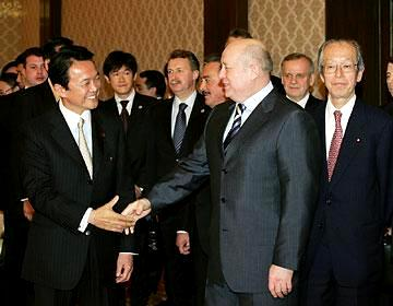 外交タロー:20070227ロシアのフラトコフ首相と
