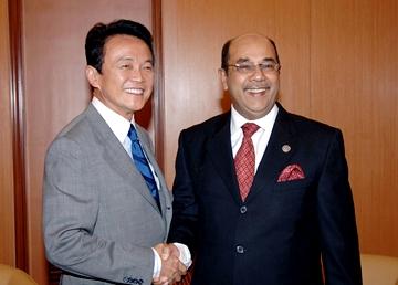 外交タロー:20051209日・マレーシア外相会談