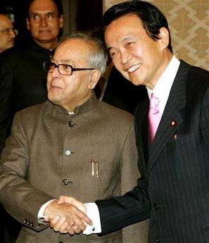 外交タロー:20070322インドのムカジー外相と会談1