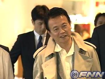 外交タロー:20070331成田空港にて4
