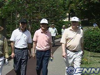 外交タロー:20060521米中韓大使とゴルフ外交