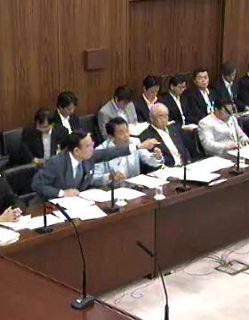 国会タロー:20070612参院外交防衛委員会「マイク」