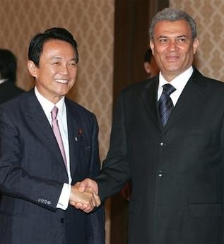 外交タロー:20070612日パレスチナ外相会談