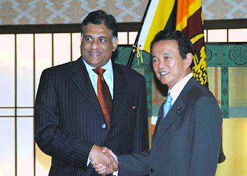 外交タロー:20070627スリランカのボーゴラガマ外相と会談1