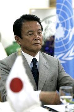 外交タロー:20070813フィリッポ・グランディUNRWA事務次長と