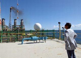 外交タロー:20070819ブラジル・カンポス沖油田視察1