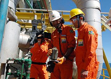 外交タロー:20070819ブラジル・カンポス沖油田視察2