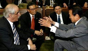 外交タロー:20070822第3回FEALAC外相会合・全体会合04「アルゼンチンのホルヘ・タイアナ外相と」