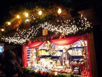 P1020616  ドレスデンクリスマス市 屋台の輝き