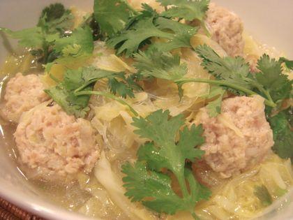 鶏だんごと春雨のハーブスープ煮