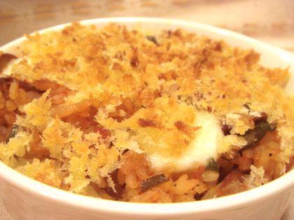 モッツアレラチーズ入りケチャップライスのパン粉焼