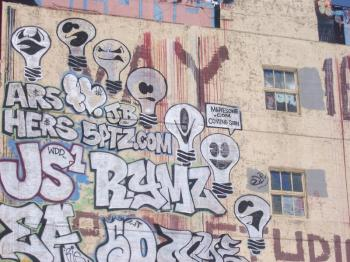 graffitti-covered-building-022