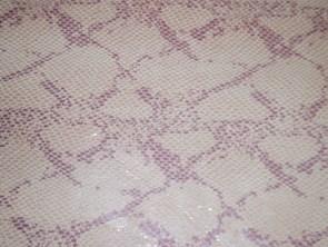 ピンクとワインレッドの型押しパイソン(ヘビ)革