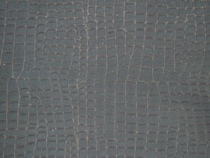つや消しの型押しクロコダイル革