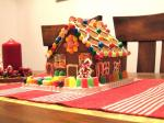 2006_1205_gingerbread_house_costco1.jpg