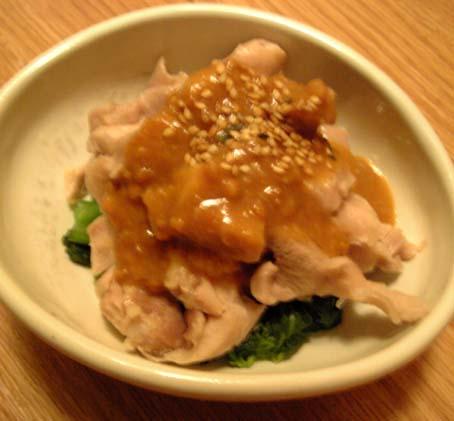 春菊と鶏ムネ肉の辛し酢味噌
