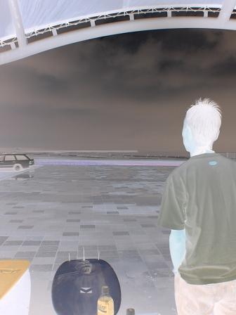 曇り時々ドシャ降りの平井海岸